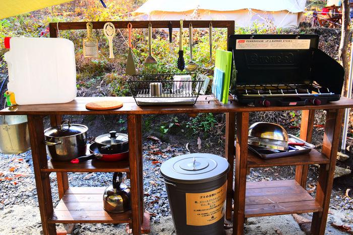 フローラキャンプサイトの常設のキッチンスペース