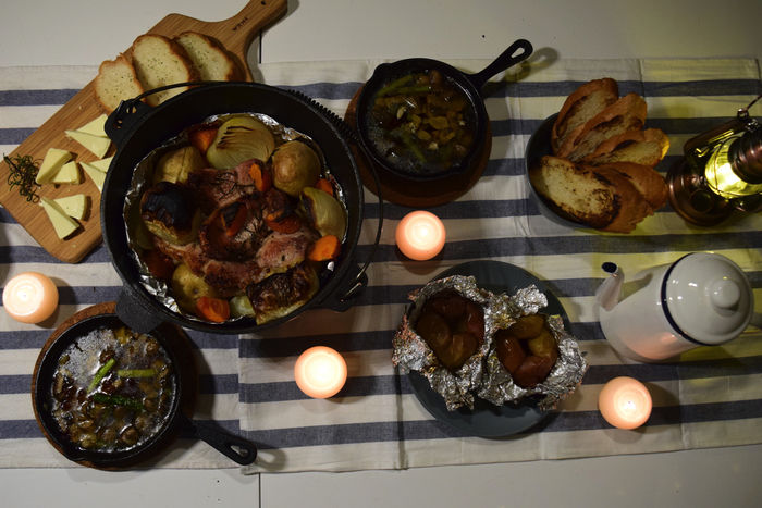 ダッチオーブンやスキレットを使った料理