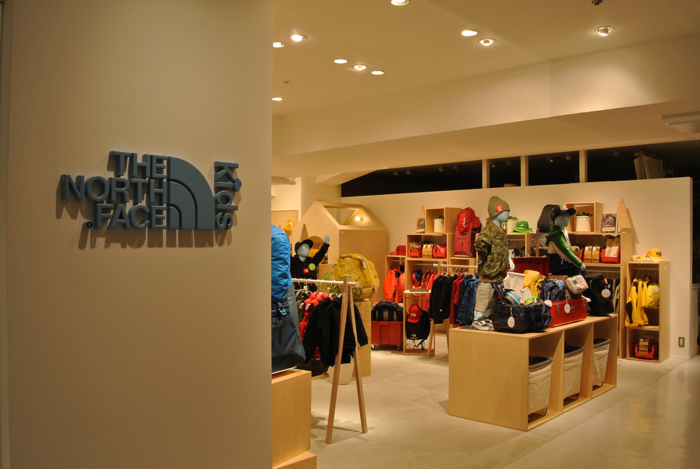 THE NORTH FACE KIDSの店舗の外観