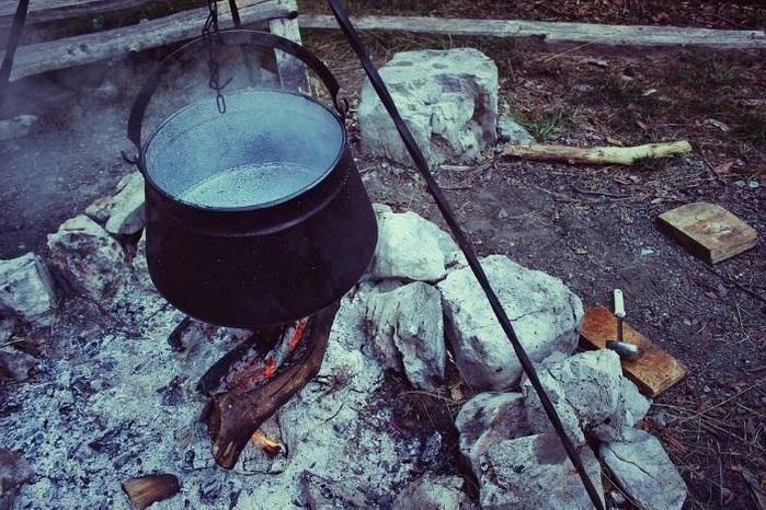 ユニフレームのネイチャーストーブと焚き火