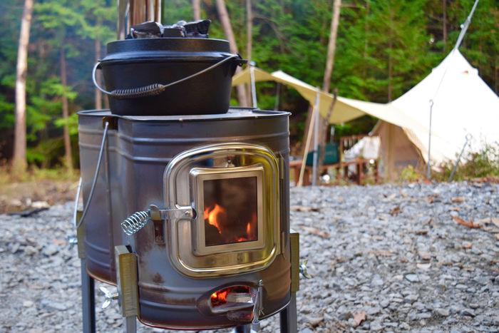 フローラキャンプサイトの薪ストーブ