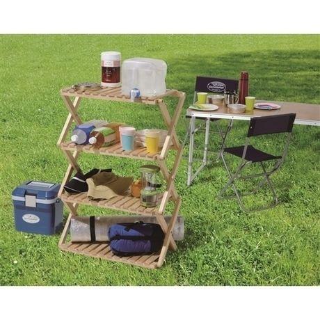 キャンプの際にいろんなものを収納できるコーナンラック