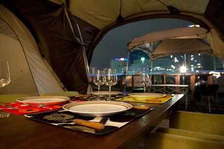 夜のテント内の様子