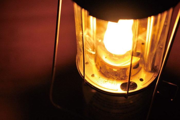点灯したスノーピークのガスランタン