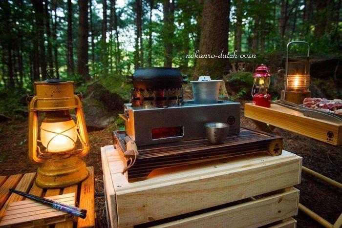 野燗炉をキャンプ場で使っている様子