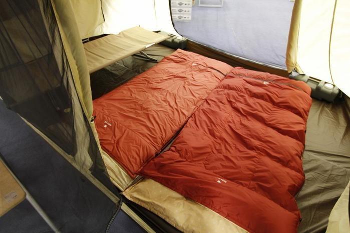 テント内に敷かれたスノーピークのオフトン