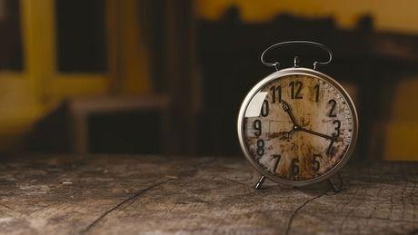 アンティーク調の時計