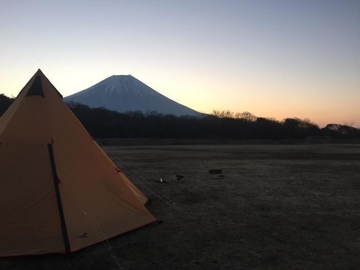 日の出と富士山の眺め