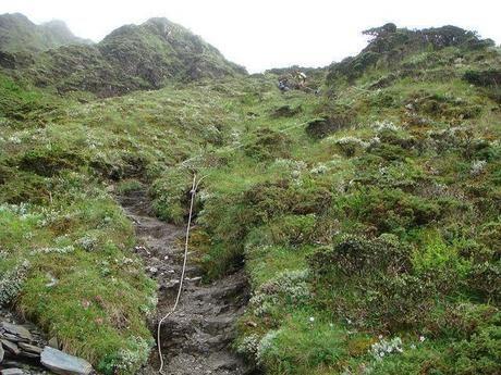 登山危険箇所の岩場