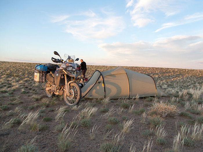 バイクとヴィクセルのテント