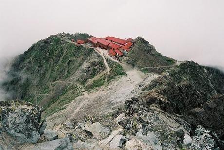 尾根の山小屋