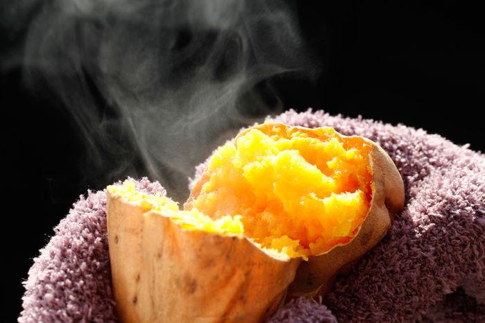 焚き火で作った焼き芋