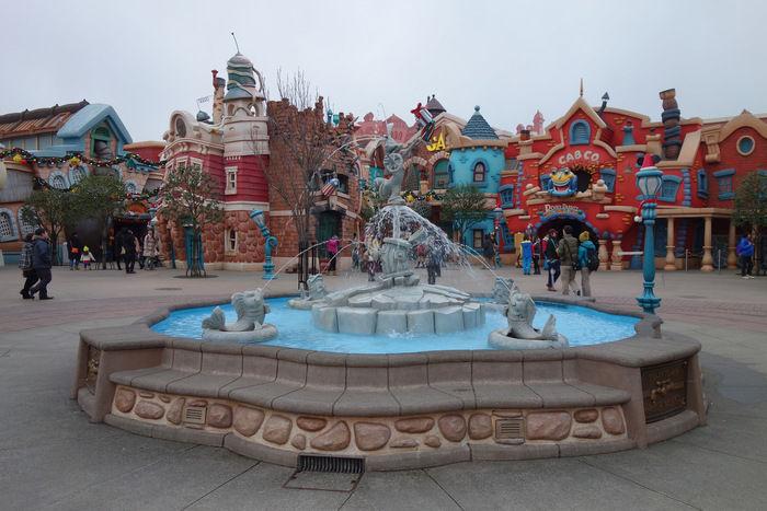 ディズニーランドのトゥーンタウンの噴水