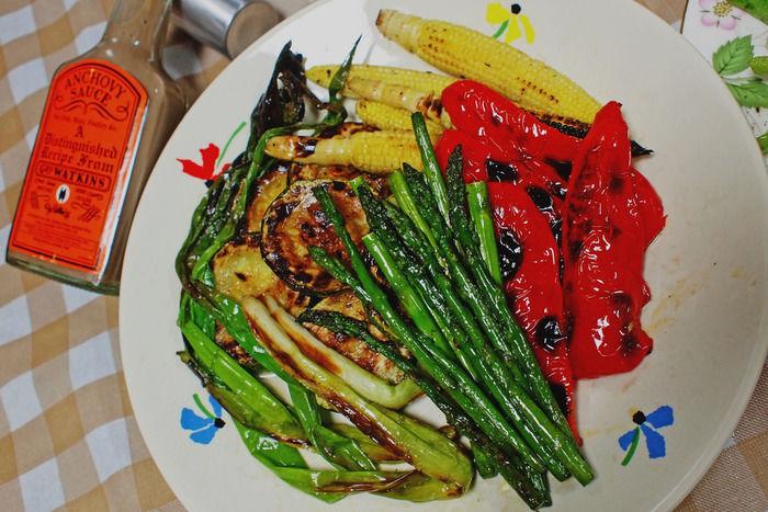 色とりどりの野菜のオリーブ焼き