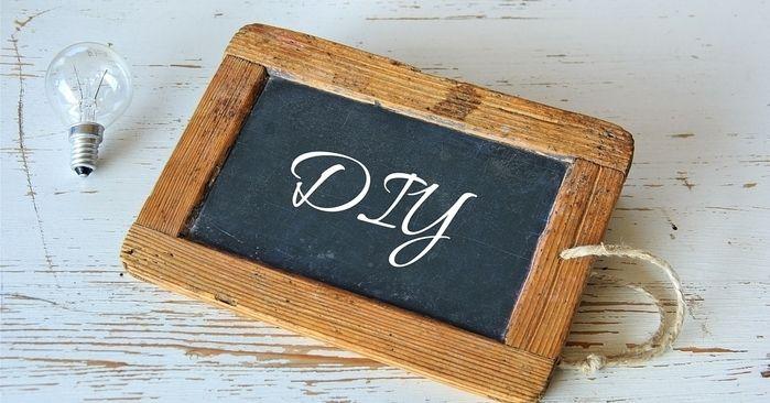 DIYと書かれた黒板