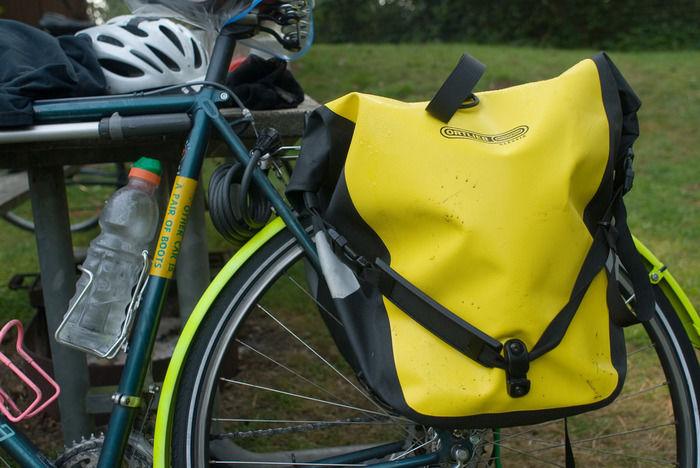 自転車についたオルトリーブのリュック