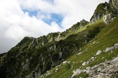 険しい山々