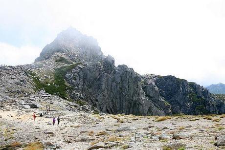 木曽駒ケ岳の険しい岩山