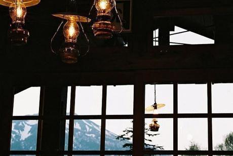 蓼科山頂ヒュッテの室内