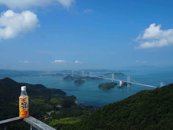 亀老山展望台から見下ろした海