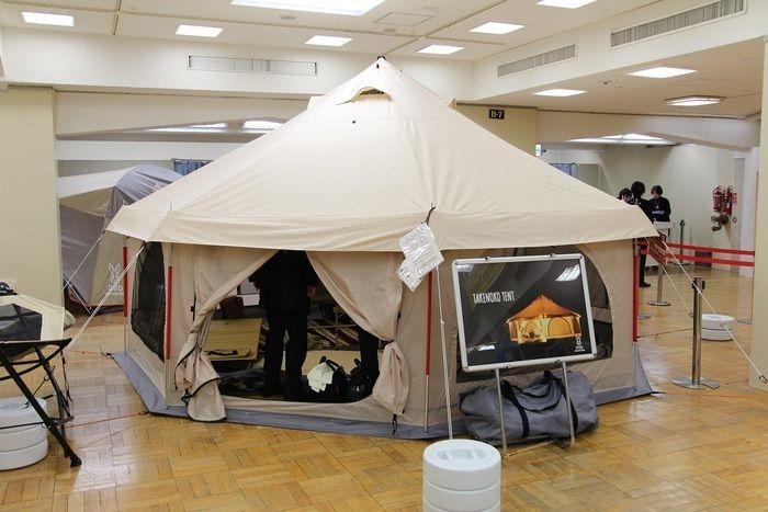 新型ワンルームテント「タケノコテント」の外観
