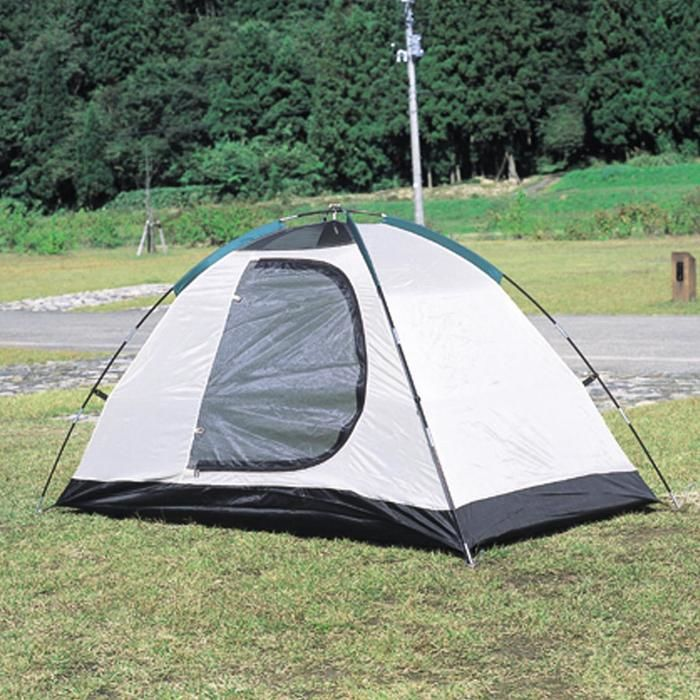 バンドック(BUNDOK)の白のテント