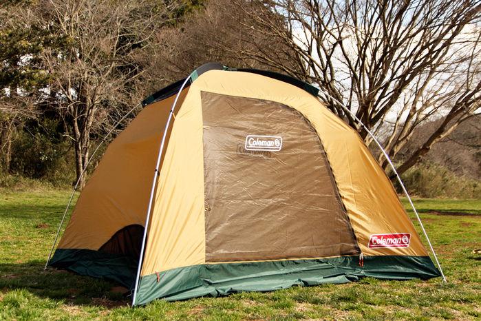 テントの形になったコールマンのタフドーム