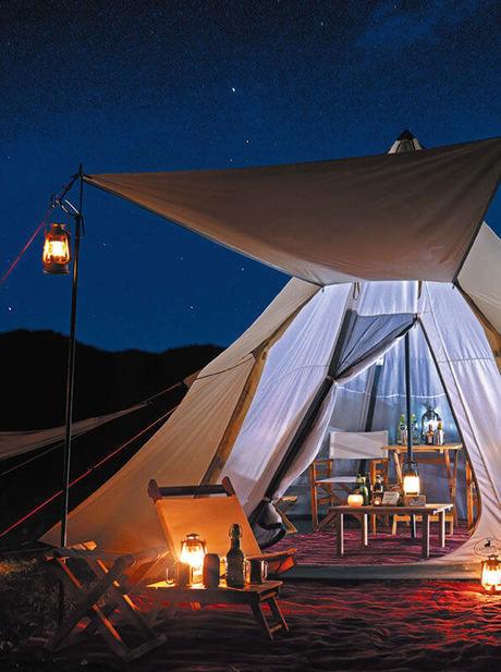 アウトドアパーク2017でライトアップされたテント