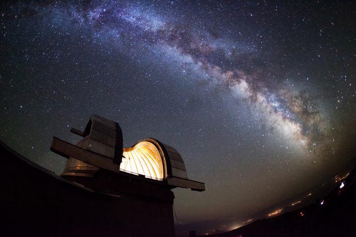 星空と国立天文台三鷹