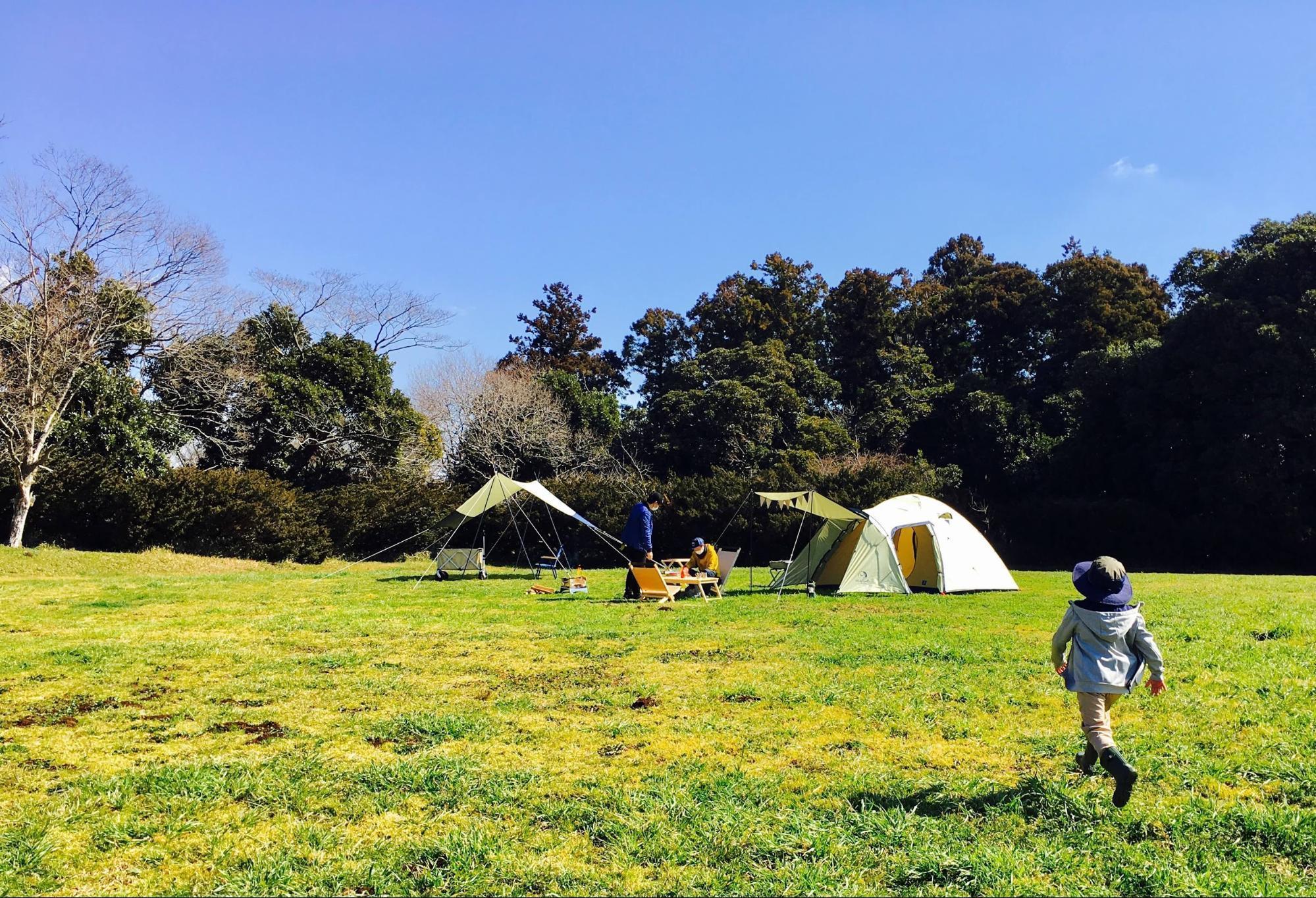 ソロキャンプ~ファミリーキャンプまで!『2ルームテント』の魅力♡