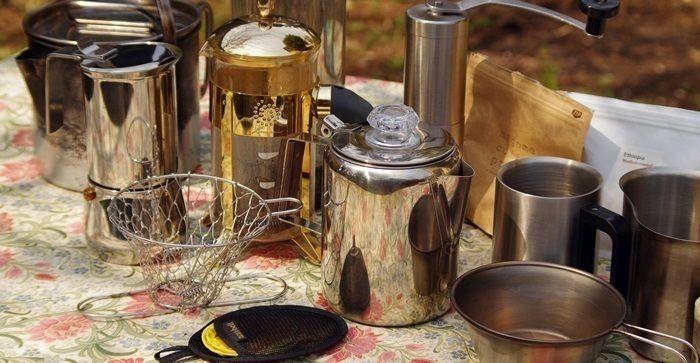 アウトドアで使用されるコーヒー器具