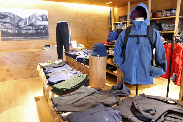 THE NORTH FACE 原宿店の店内