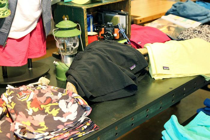 パタゴニア東京・渋谷の店頭に置かれた商品