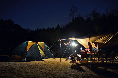 ランタンならやっぱりコールマン!キャンプの夜を快適にするおすすめランタン3種をご紹介