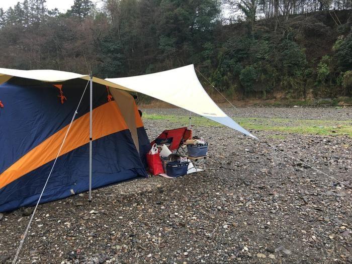 テントにくっつけたタープ