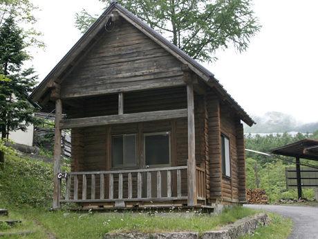 ニュー霜降キャンプ場のログハウス