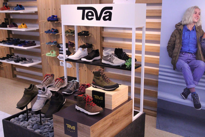 Tevaの2017年秋冬新作の展示会