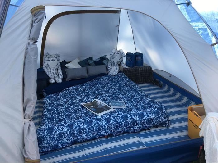 テント展示ブースのテントの内観