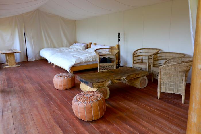 ウッドランド ボシーのベッドルーム&リビングスペース