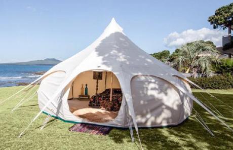 Okubiwako Marvelous Greenのグランピングサイトに遣われているロータスベルのテント