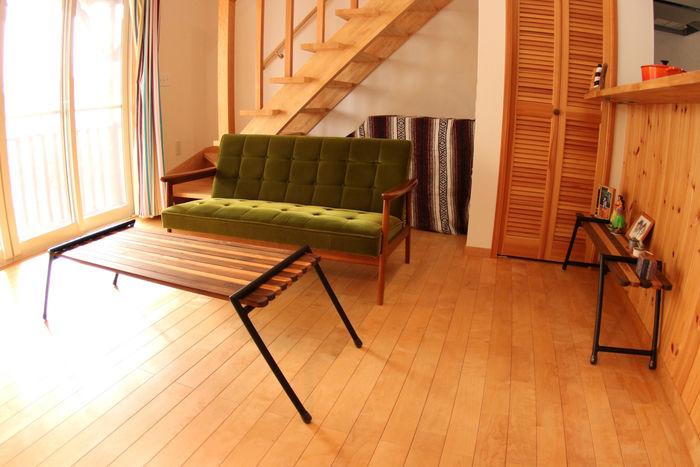 レバレッジの家具を使った部屋の内観