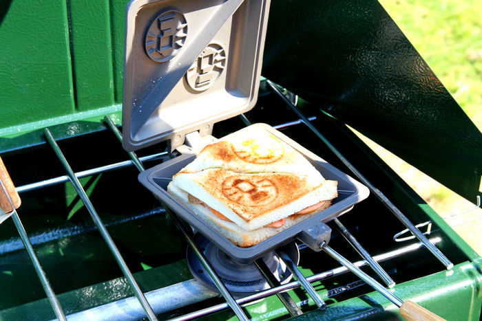 ホットサンドイッチクッカーで作ったサンドイッチ