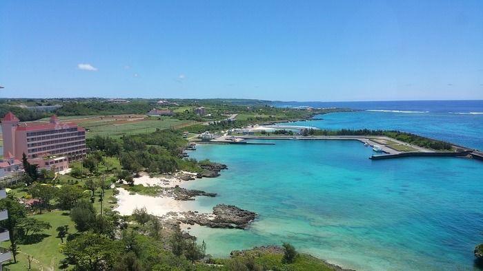 沖縄のキャンプ場の上空からの景色