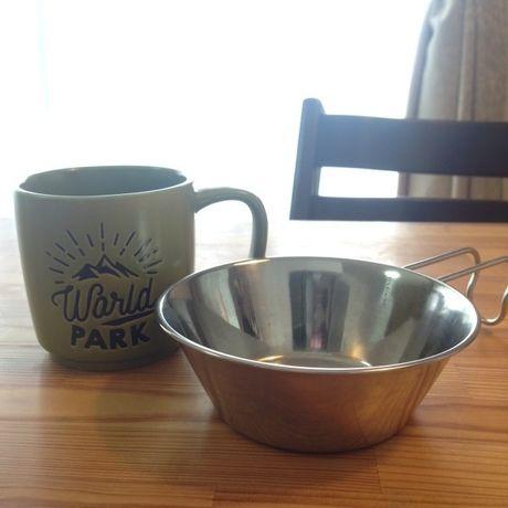 マグカップとシェラカップ