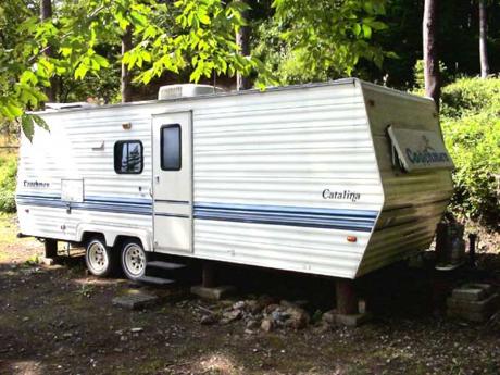 河口湖山宮キャンプ場のキャンピングカー