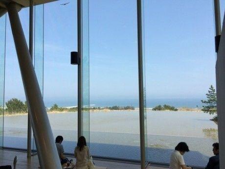 ひたち海浜公園のグラスハウスから見える景色
