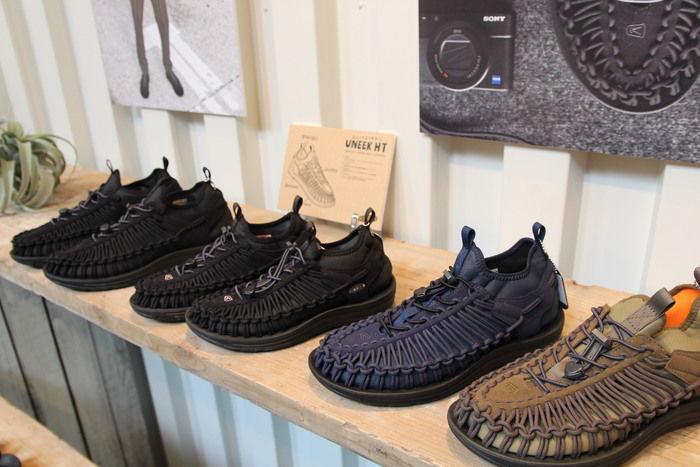 並べられた秋冬モデルのUNEEKの靴