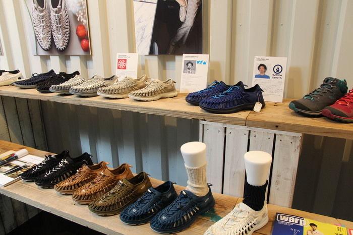 並べられたUNEEKの靴
