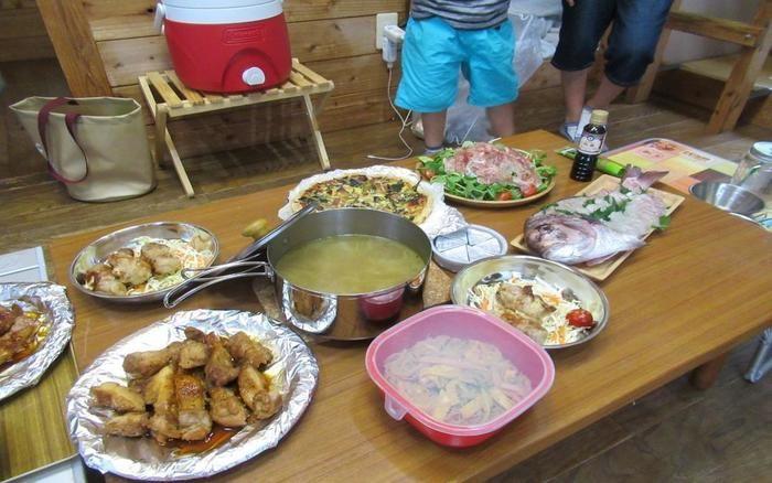 キャンプでの豪華な食卓