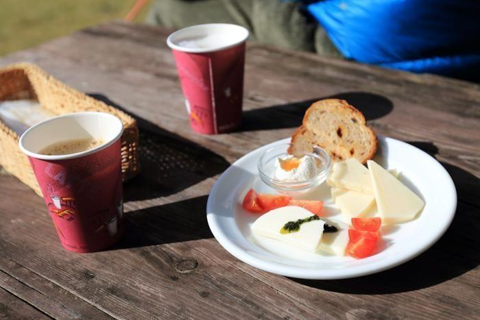 レストラン「コリーヌ」の5種類の自家製チーズの盛り合わせ